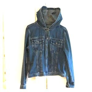 🌺Excellent Condition 🌺 Hooded Jean Jacket